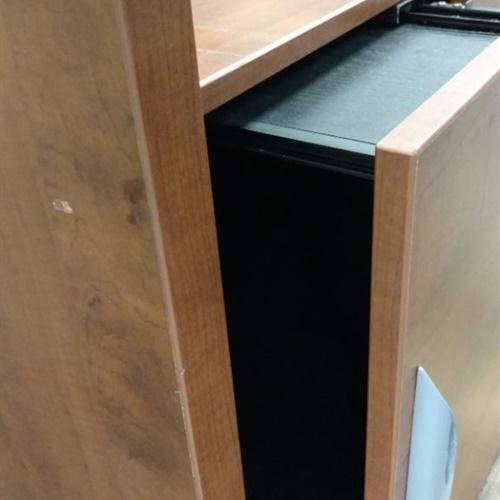 Desk (No Keys)