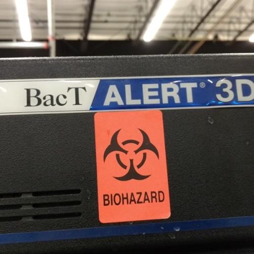 Biomerieux Bact/Alert 3D Microbiology Analyzer
