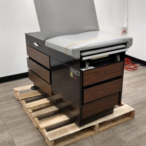 Midmark 100 Exam Table