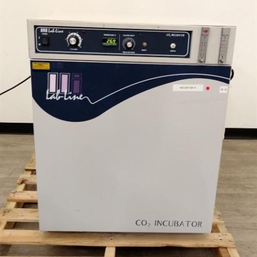 Lab Line 322 CO2 Incubator