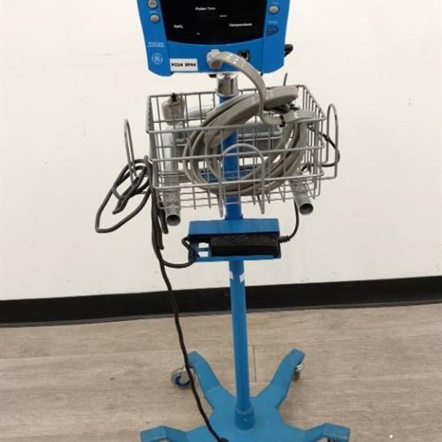 GE Dinamap Procare Monitor w/ Stand