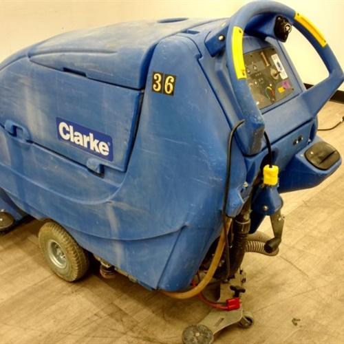 Clarke FOCUS II BOOST 28 Walk Behind Midsize Scrubber