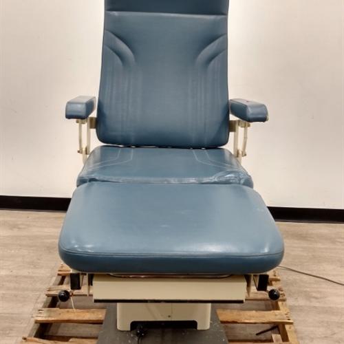 MTI 525 Exam Chair