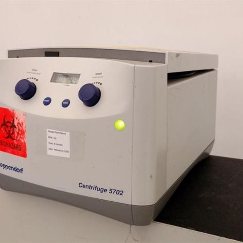 EPPENDORF 5702 CENTRIFUGE